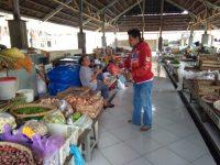Tingkatkan Kepedulian, Komunitas Yuk Menulis (KYM) Klaten Bagi- bagi Masker dan Sembako