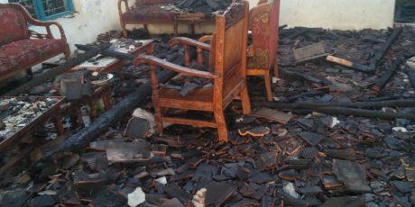 Rumah Ludes Terbakar di Desa Pondok