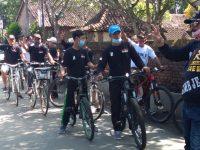 Asiknya Berbagi Sambil Gowes Bersama Relawan ORI Ngawonggo