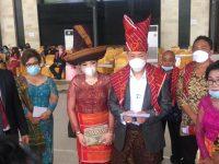 Luar Biasa,, Henry Indraguna bersama Istri Mendapat Marga dari Suku Batak Karo