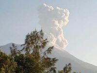 Erupsi Merapi, Luncurkan Awan Panas Setinggi 2.000 Meter
